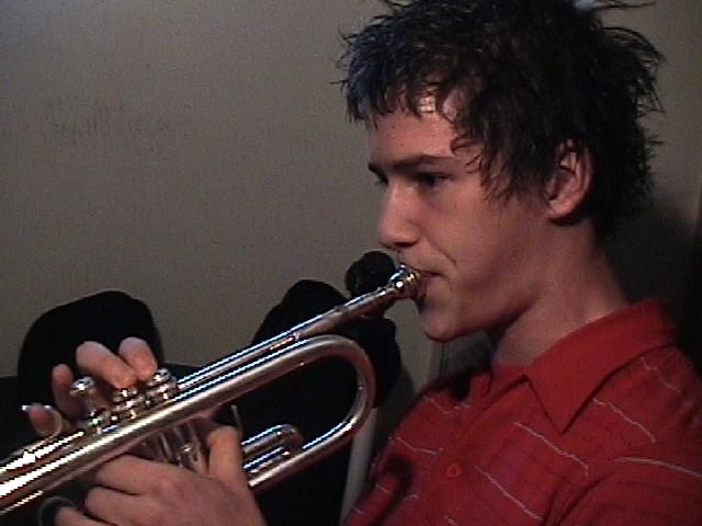 trumpet.gif